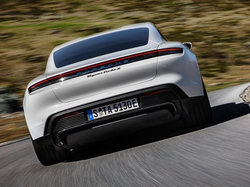 Porsche Taycan 2021-8