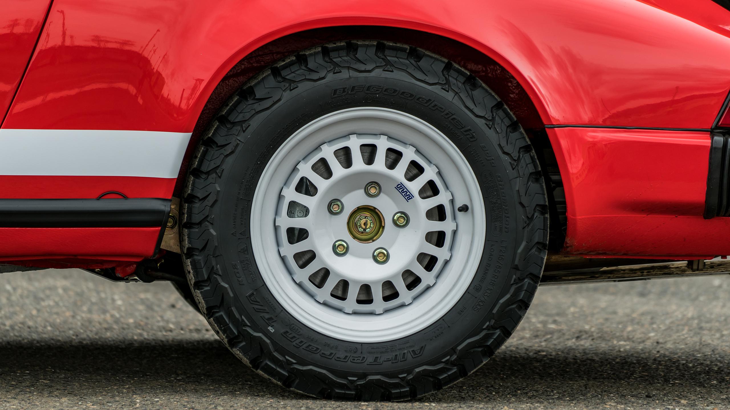 Avant-Garde Collection 911 Safari rear wheel