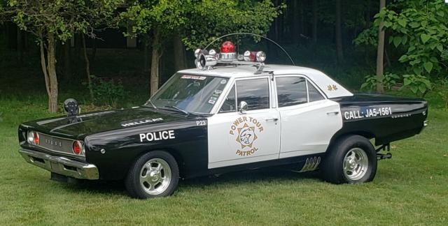 Hellcat cop car 1968 Dodge Coronet front
