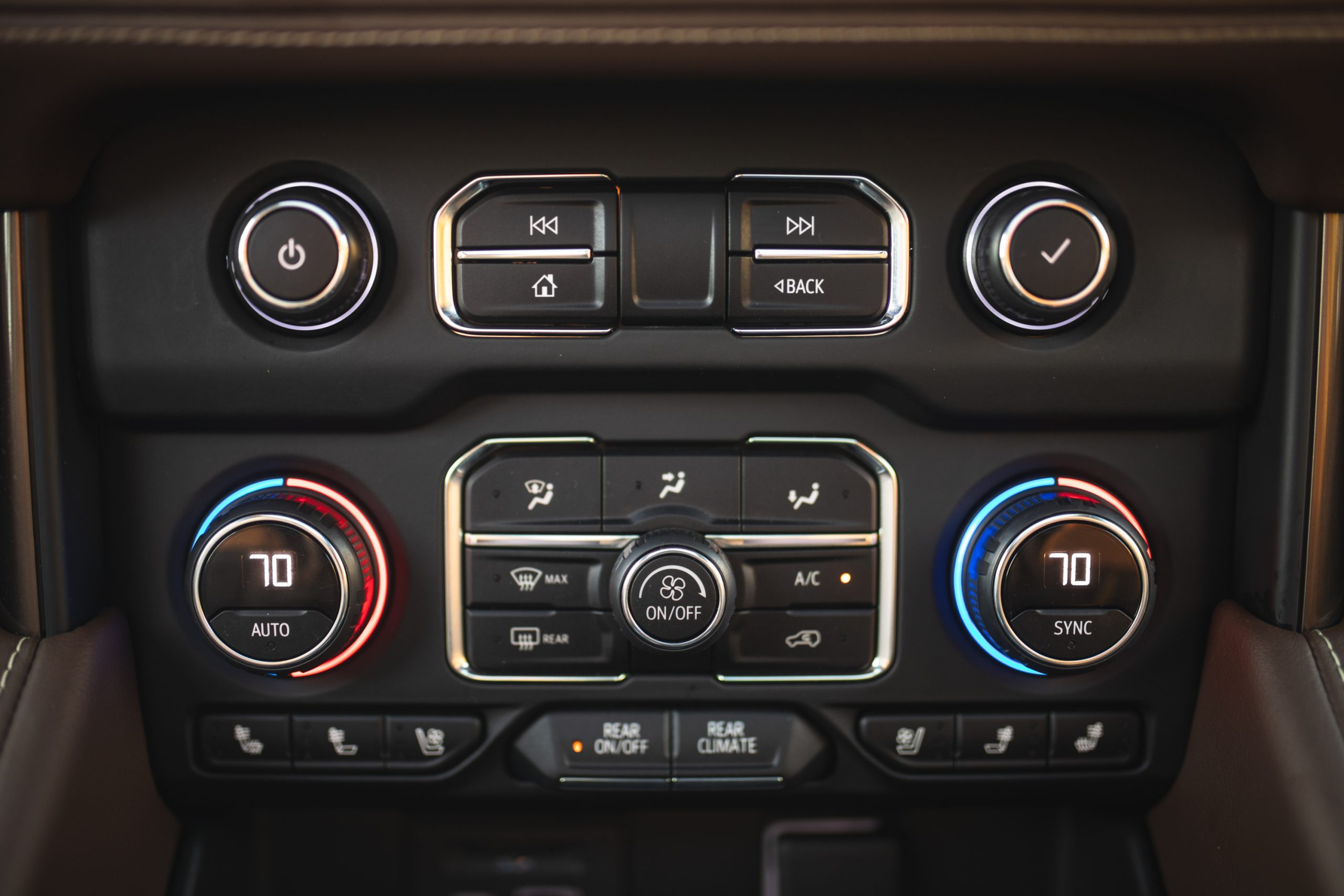 2021 Chevrolet Tahoe High Country climate controls