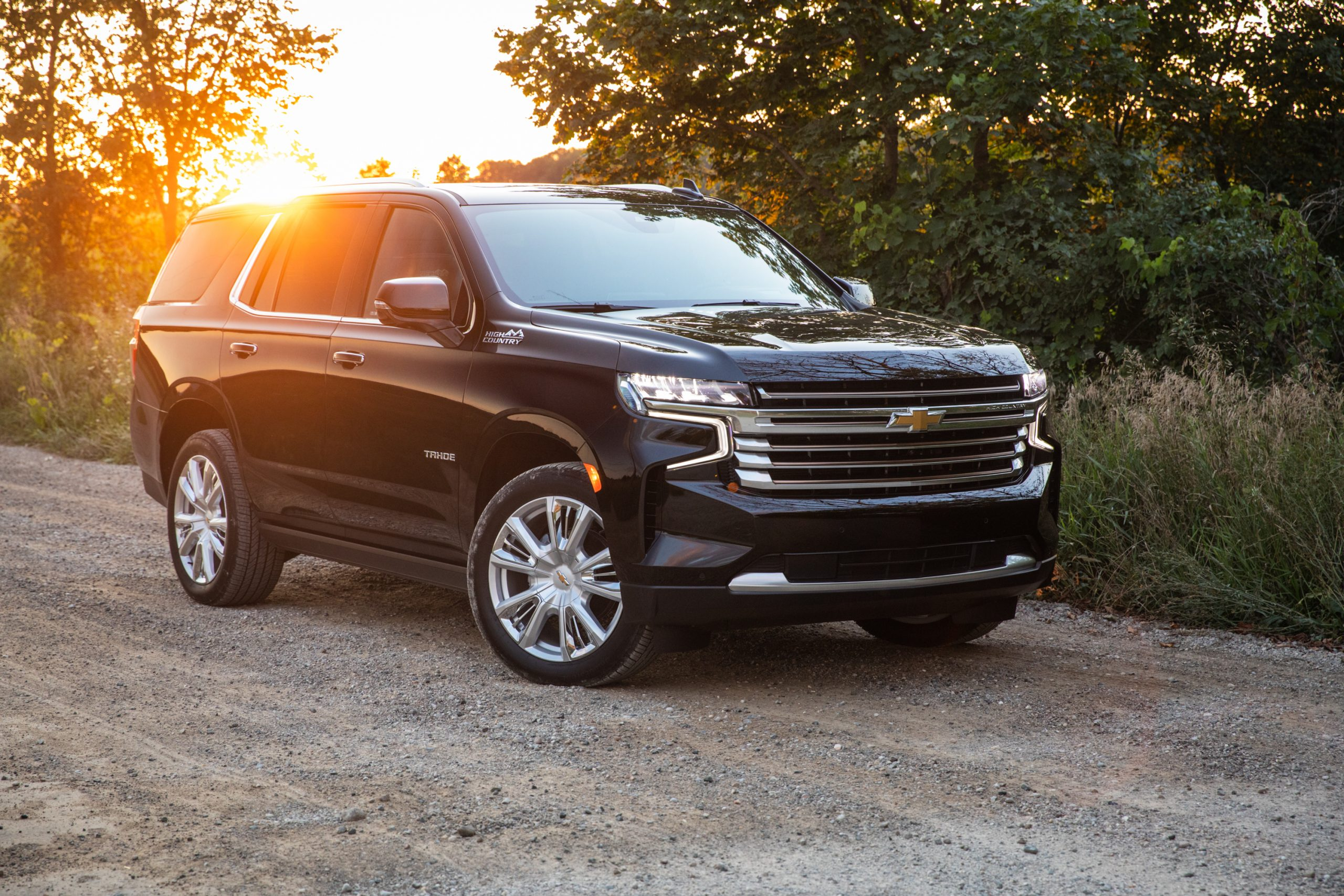 2021 Chevrolet Tahoe High Country front three-quarter