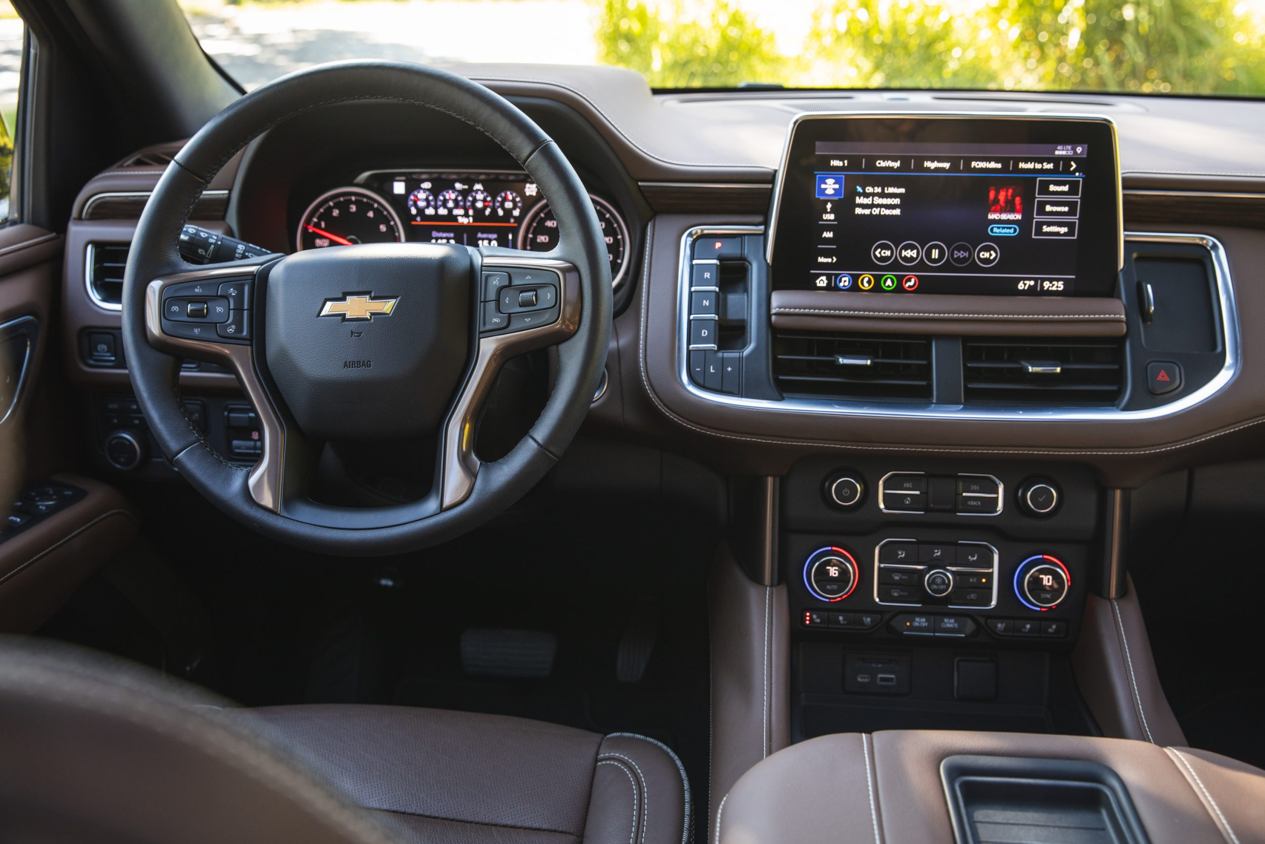 2021 Chevrolet Tahoe High Country interior front