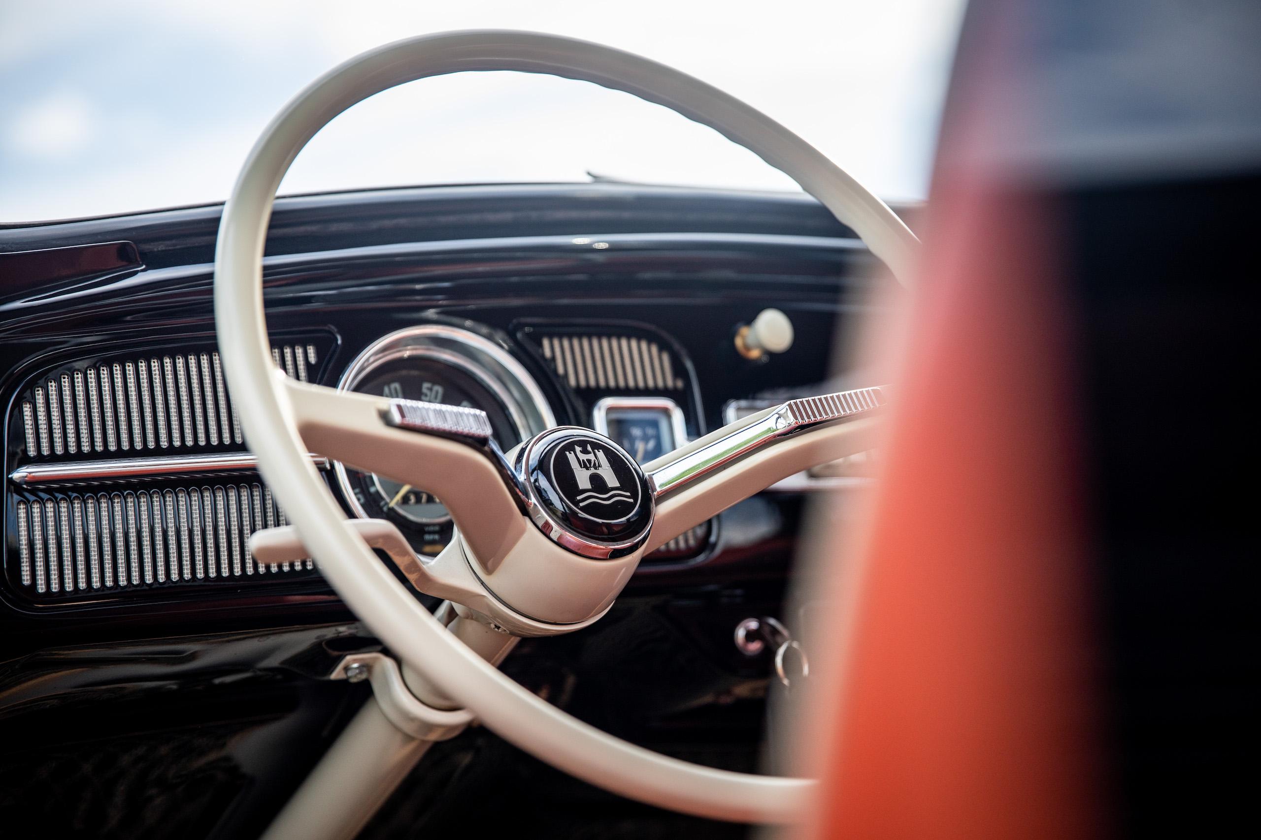 volkswagen beetle steering wheel close up