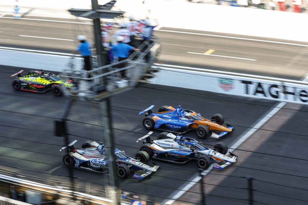 Sato, Dixon, Rahal crossing finish line at 104th Indy 500