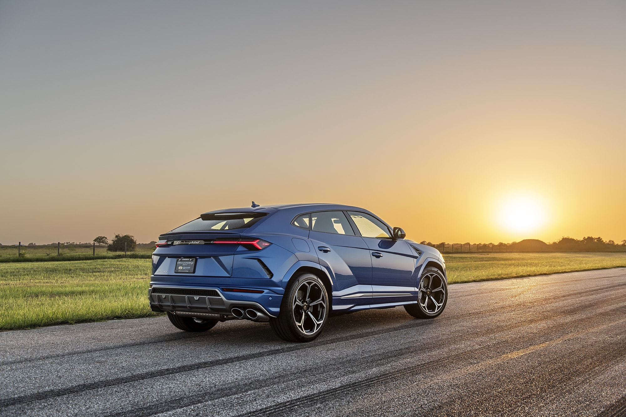 hennessey lamborghini urus rear three-quarter