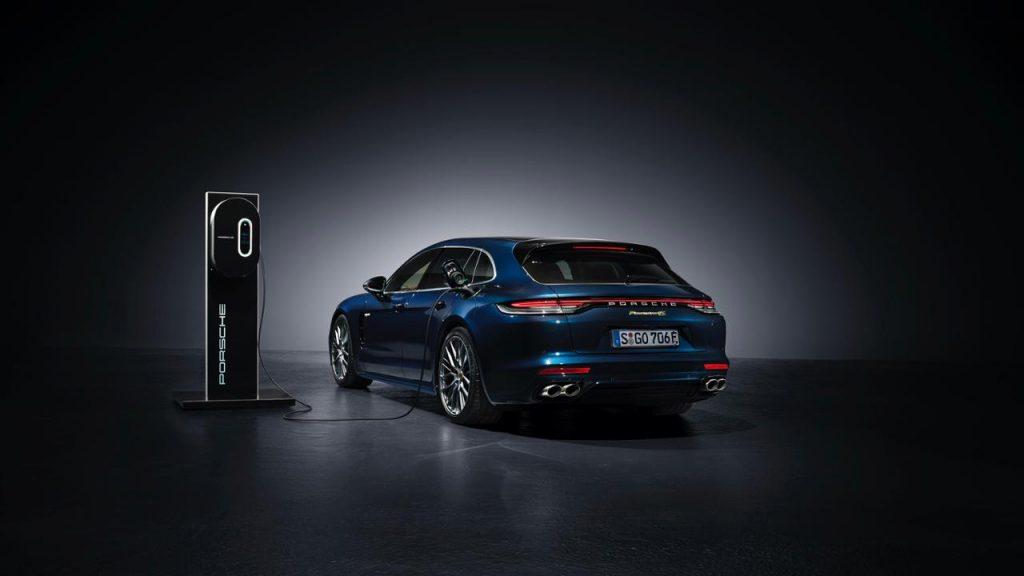 2021 Panamera 4S E-Hybrid Sport Turismo charging