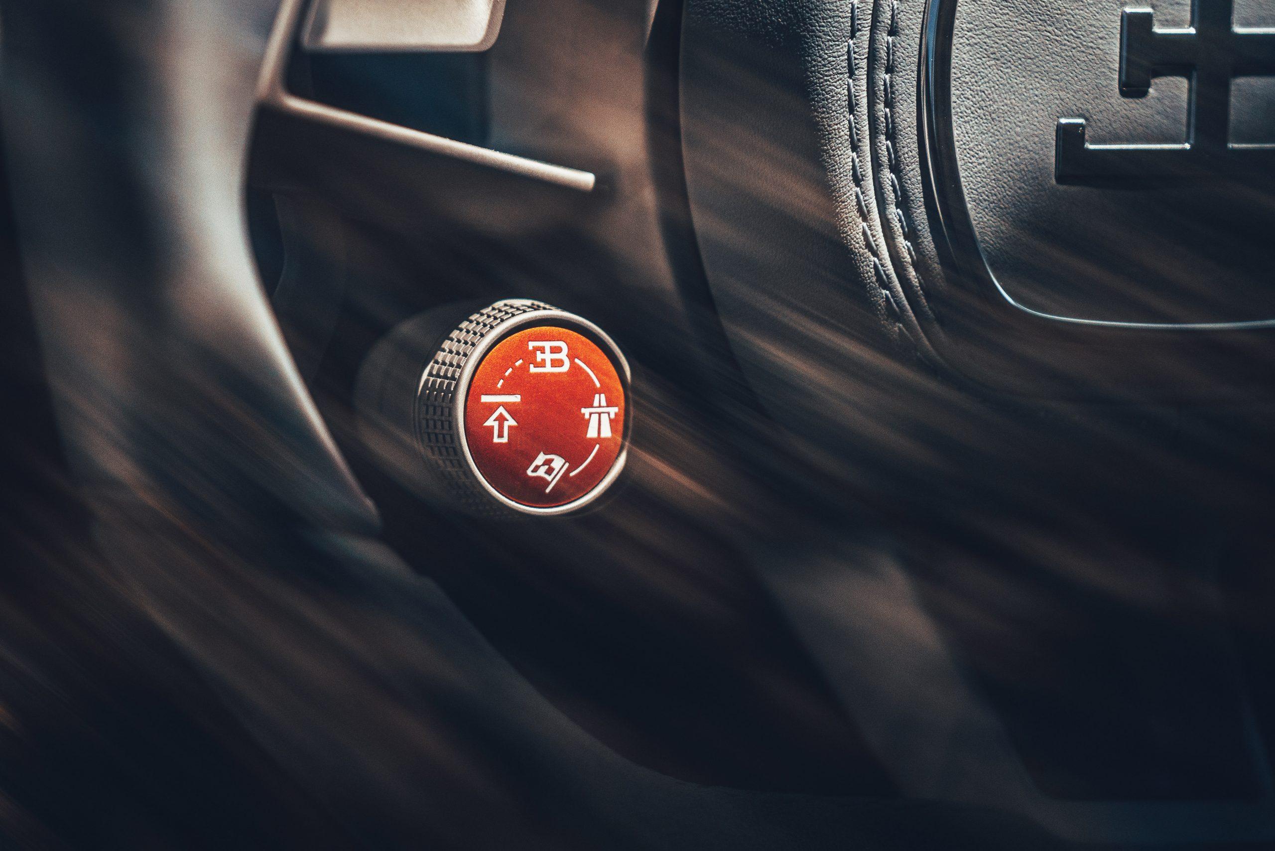 Bugatti Divo driving mode detail steering wheel