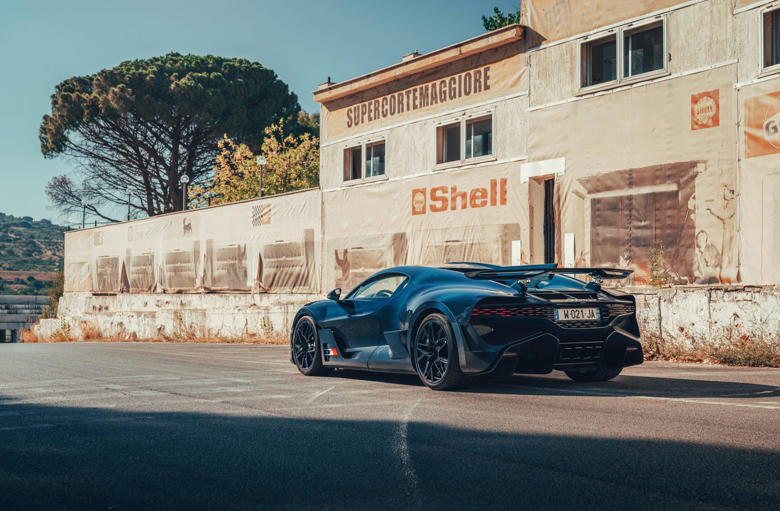 Bugatti Divo Targa Florio stationary profile vintage