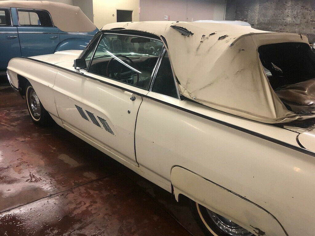 1963 Ford Thunderbird barn find convertible patina