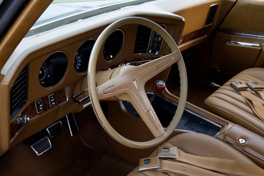 1969 pontiac grand prix sj interior front steering wheel