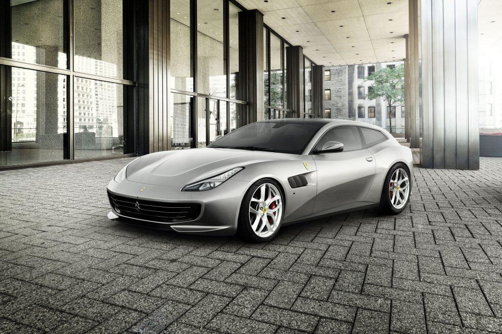Ferrari GTC4 Lusso 1