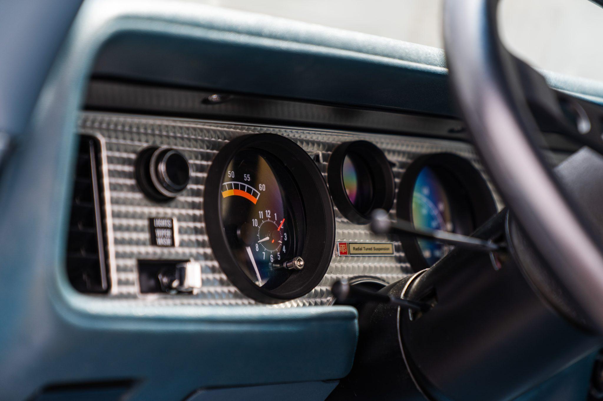 1975 Pontiac Trans Am Dash