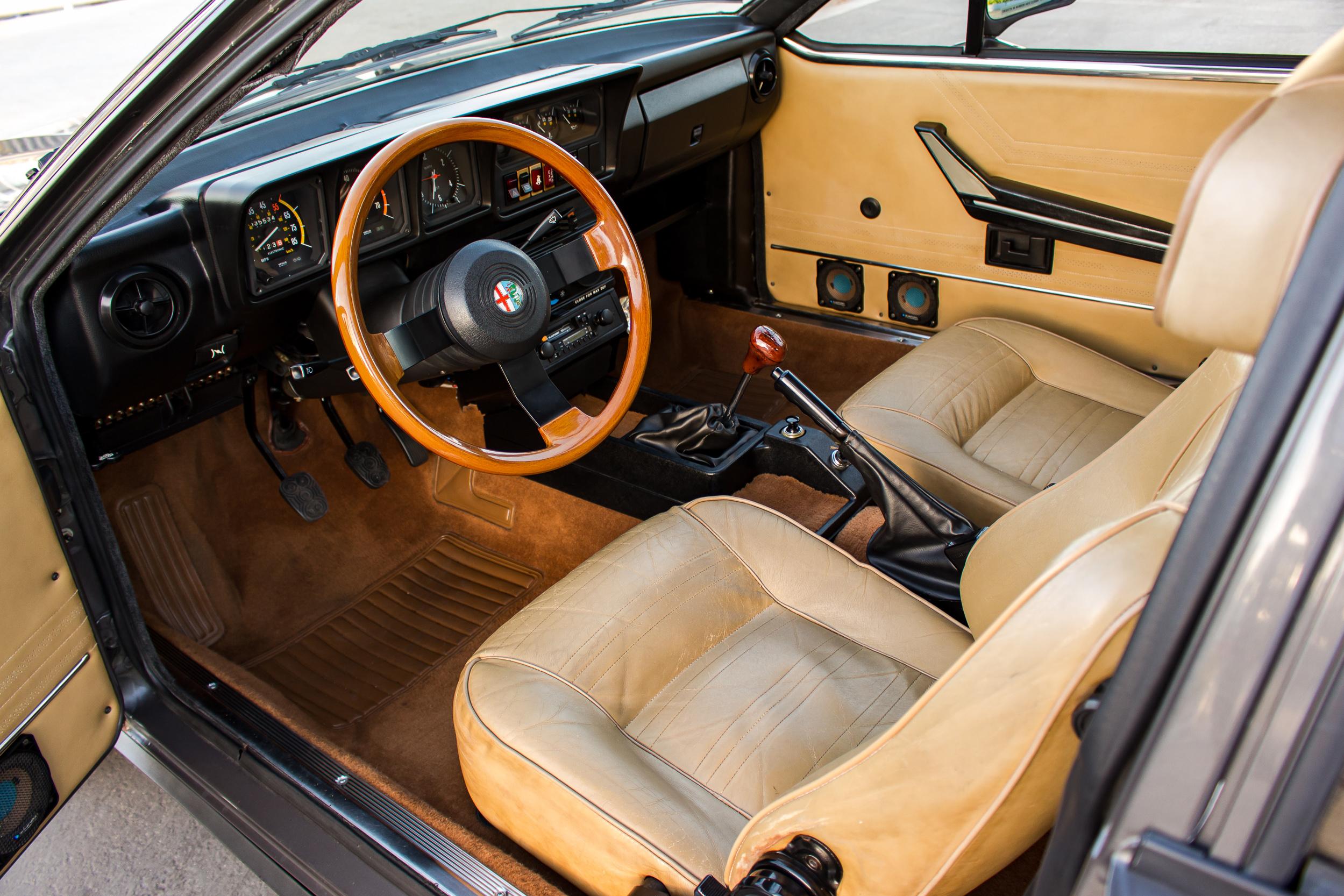 1981 Alfa Romeo GTV 6 2.5 interior