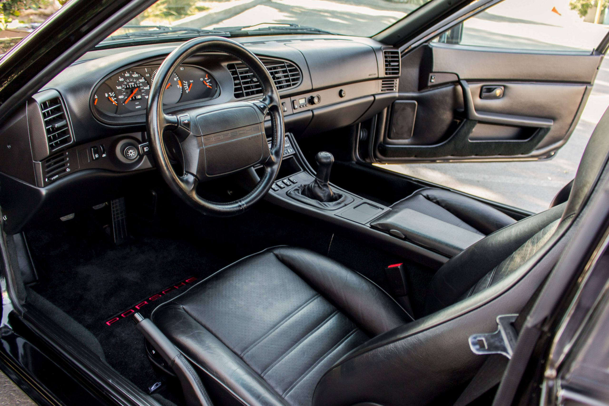 1991 Porsche 944 S2 Coupe interior