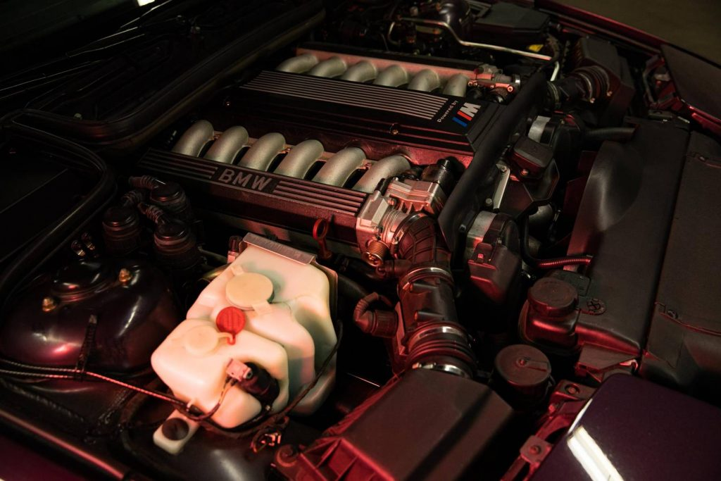 1995 BMW 850CSi engine