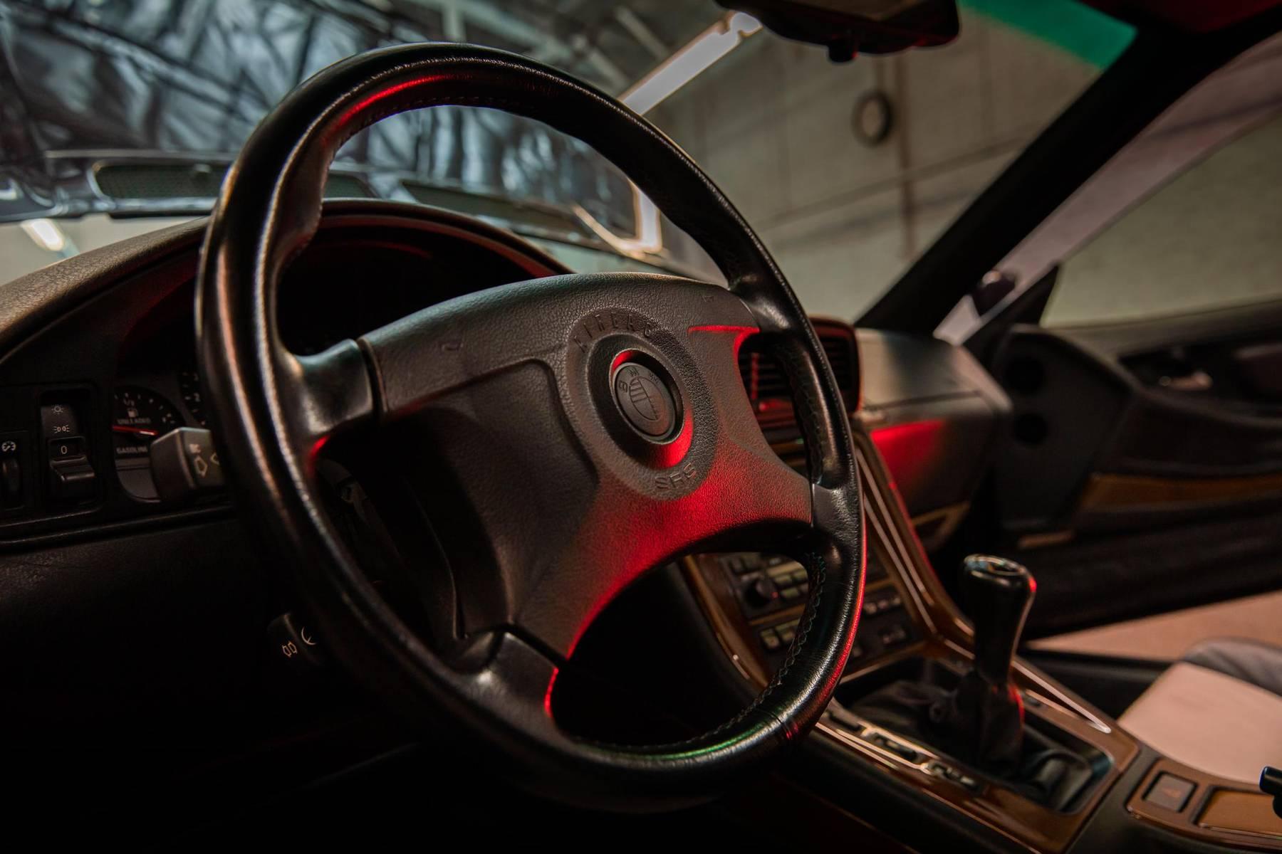 1995 BMW 850CSi steering wheel