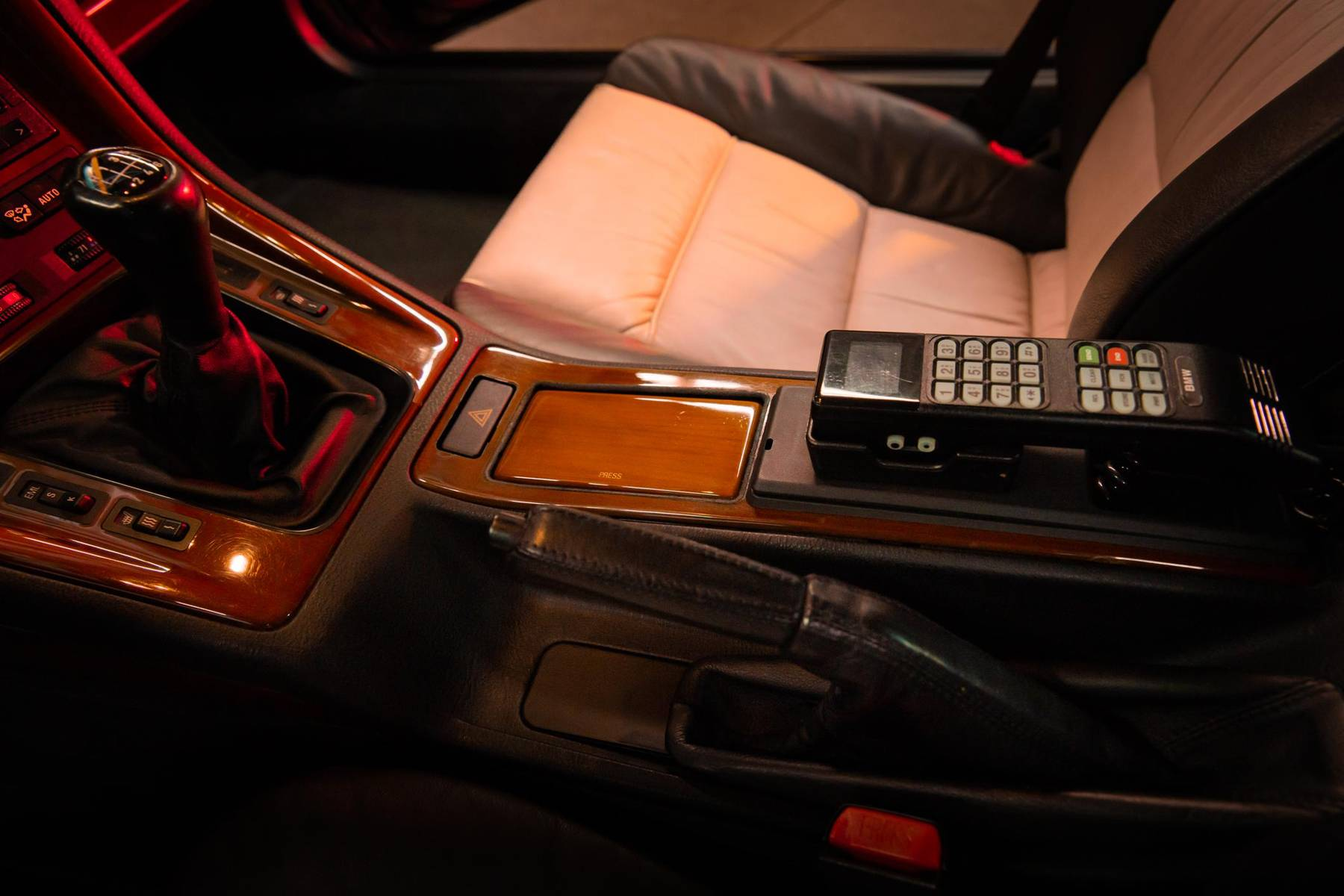 1995 BMW 850CSi center console