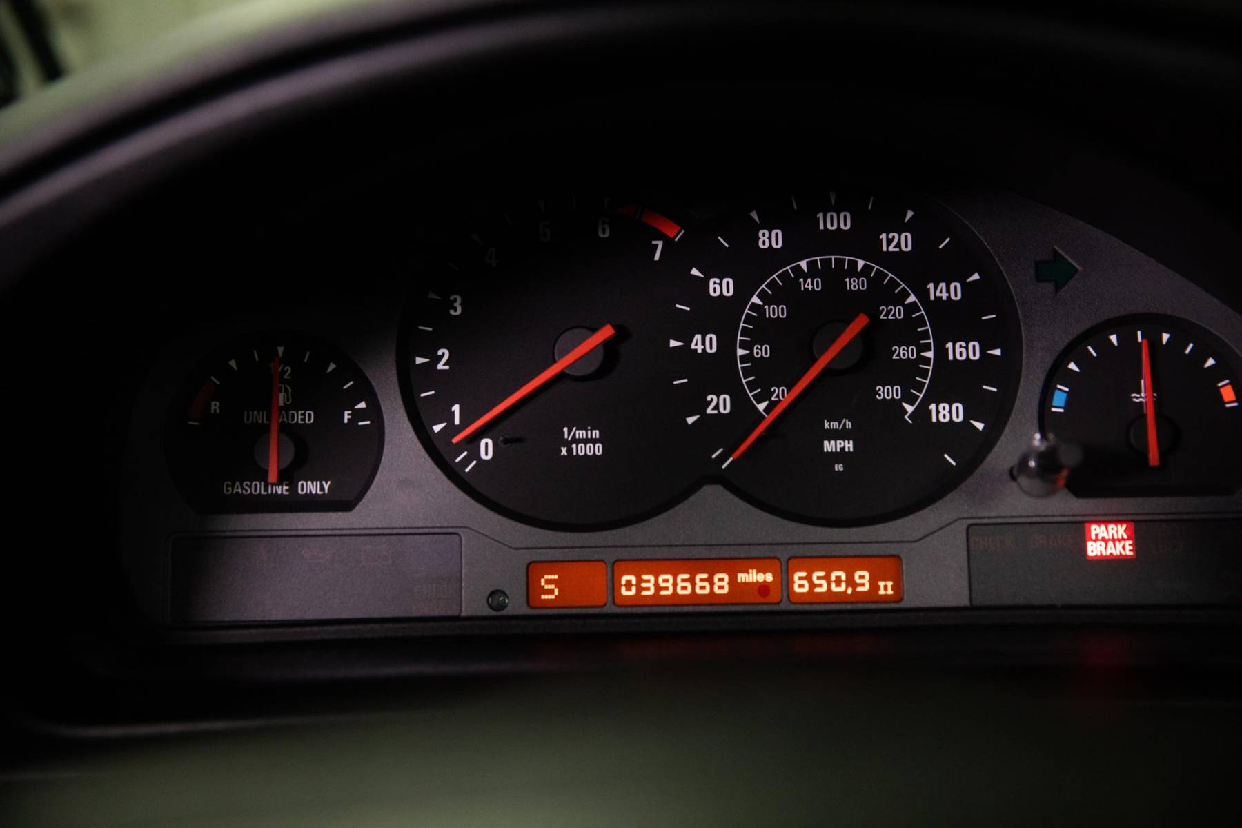 1995 BMW 850CSi dash gauges