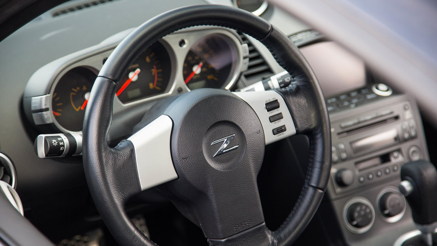 2003 Nissan 350Z steering wheel