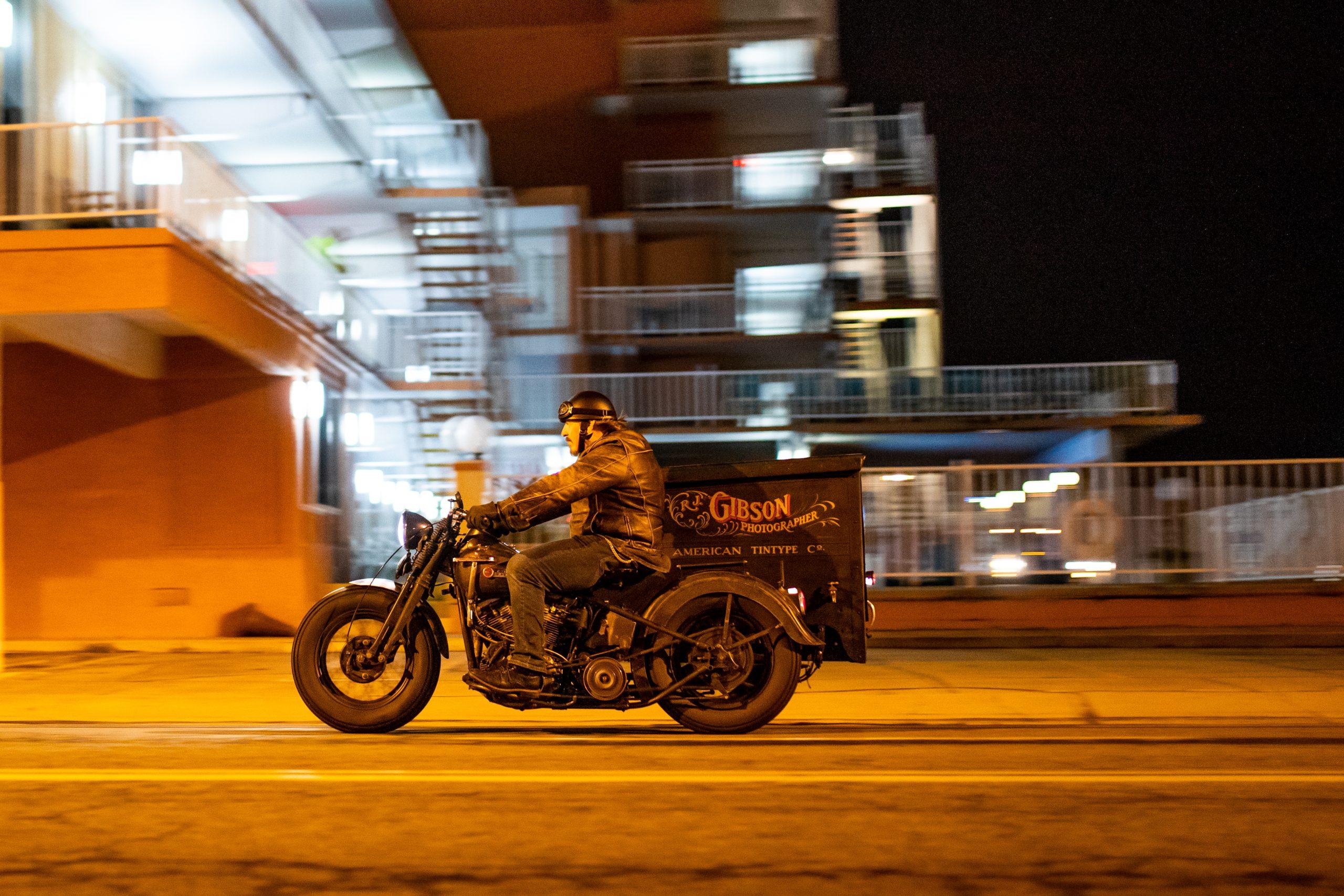 gibson motorbike street action
