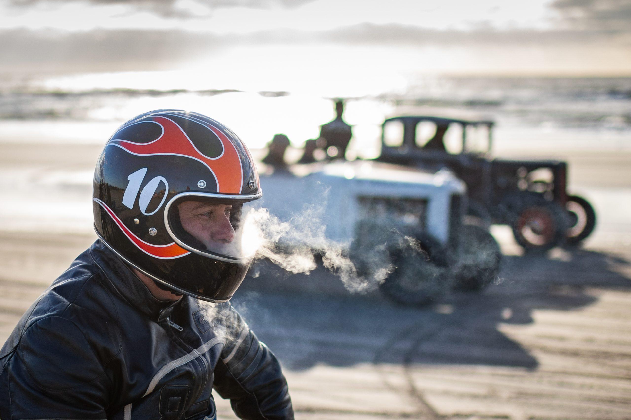 motorbike beach drag racing