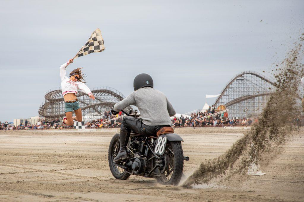 motorbike drag racer start