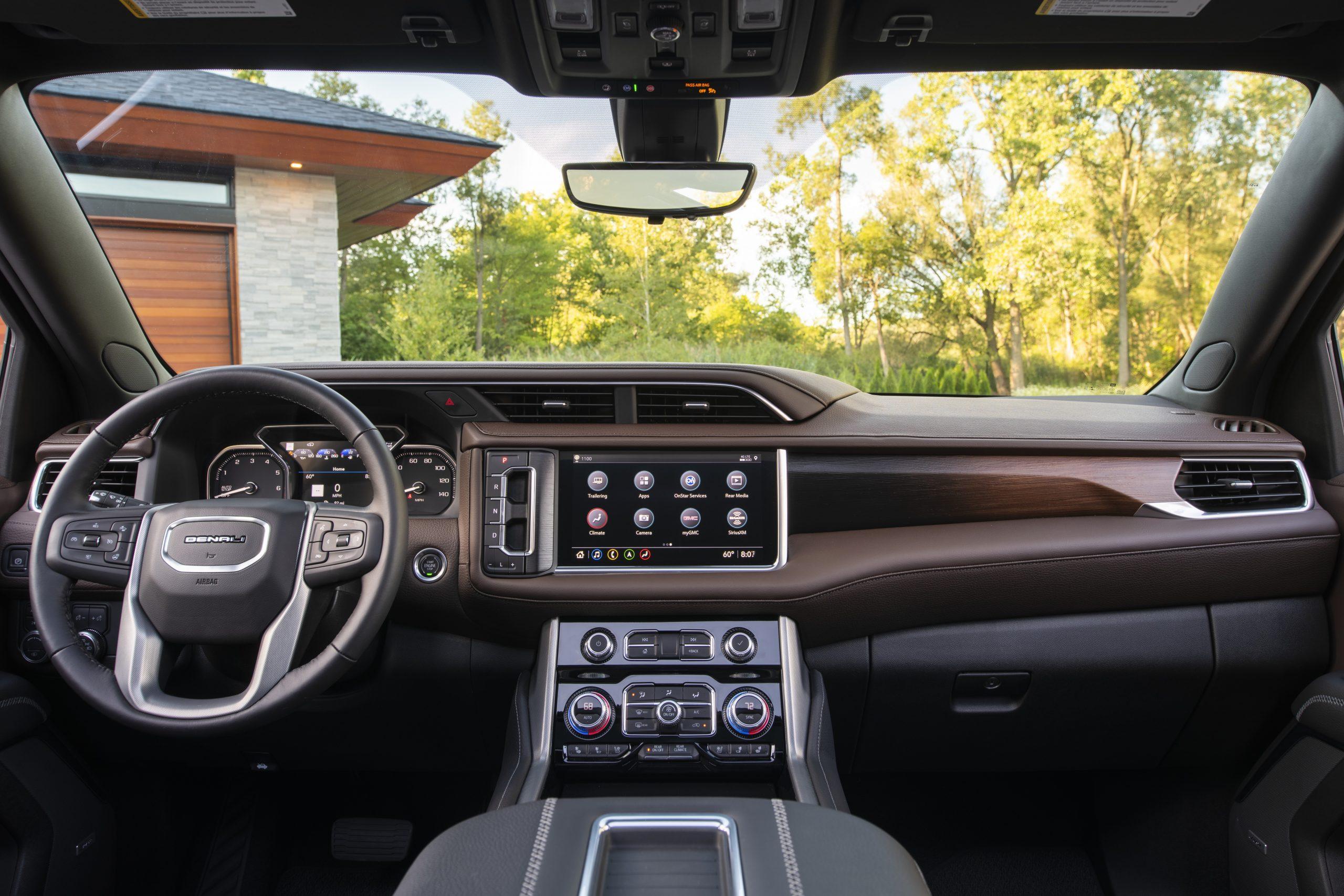 2021 GMC Yukon Denali centered interior shot