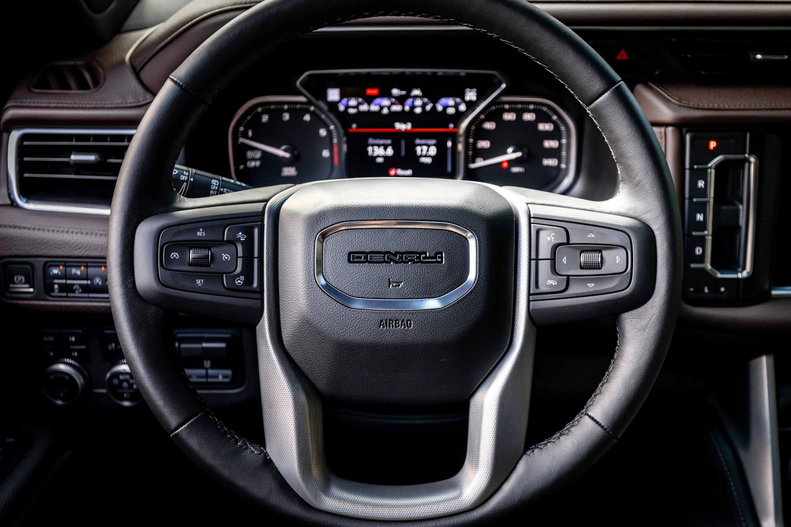 2021 Yukon Denali steering wheel straight-on