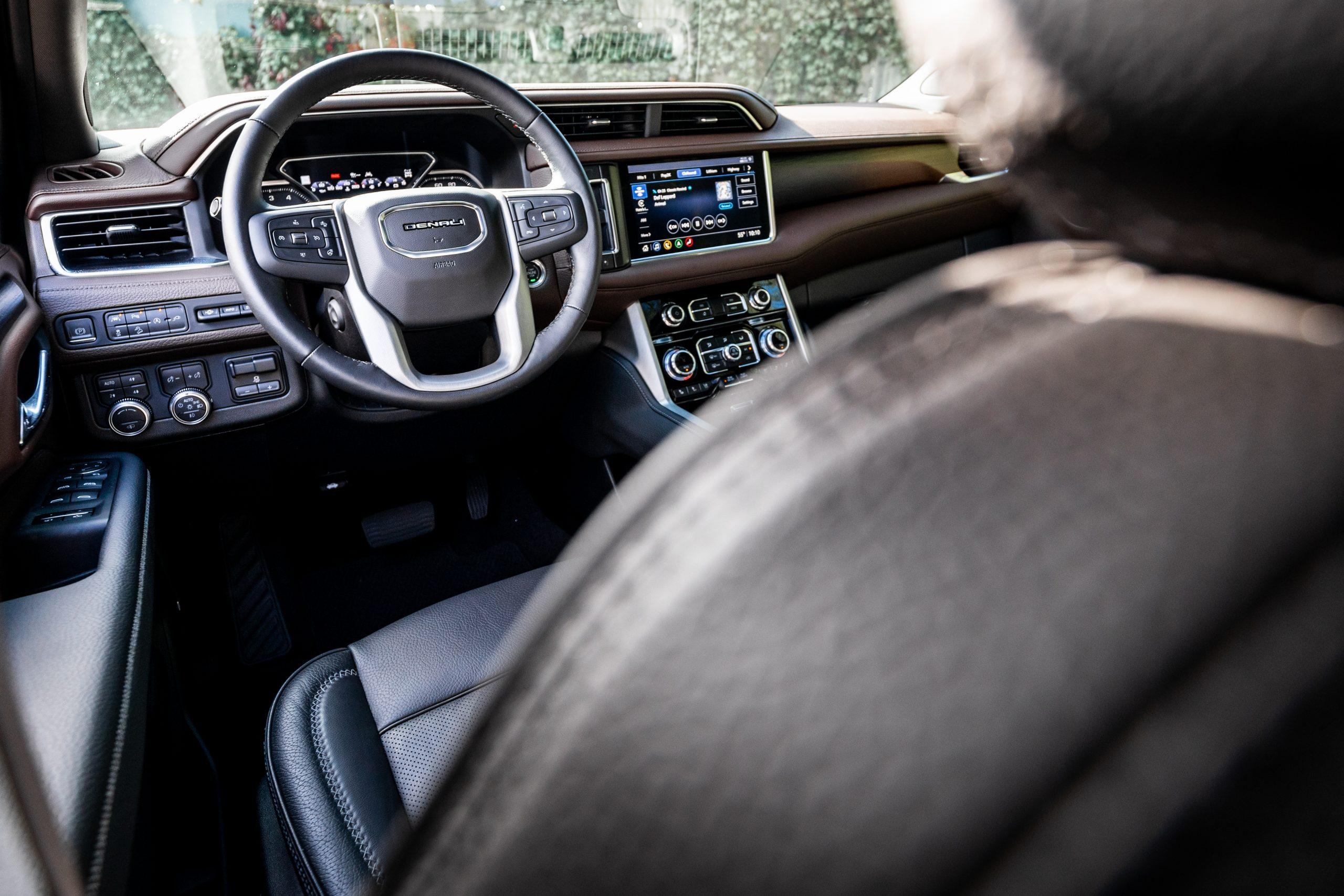 2021 Yukon Denali steering wheel over drivers seat