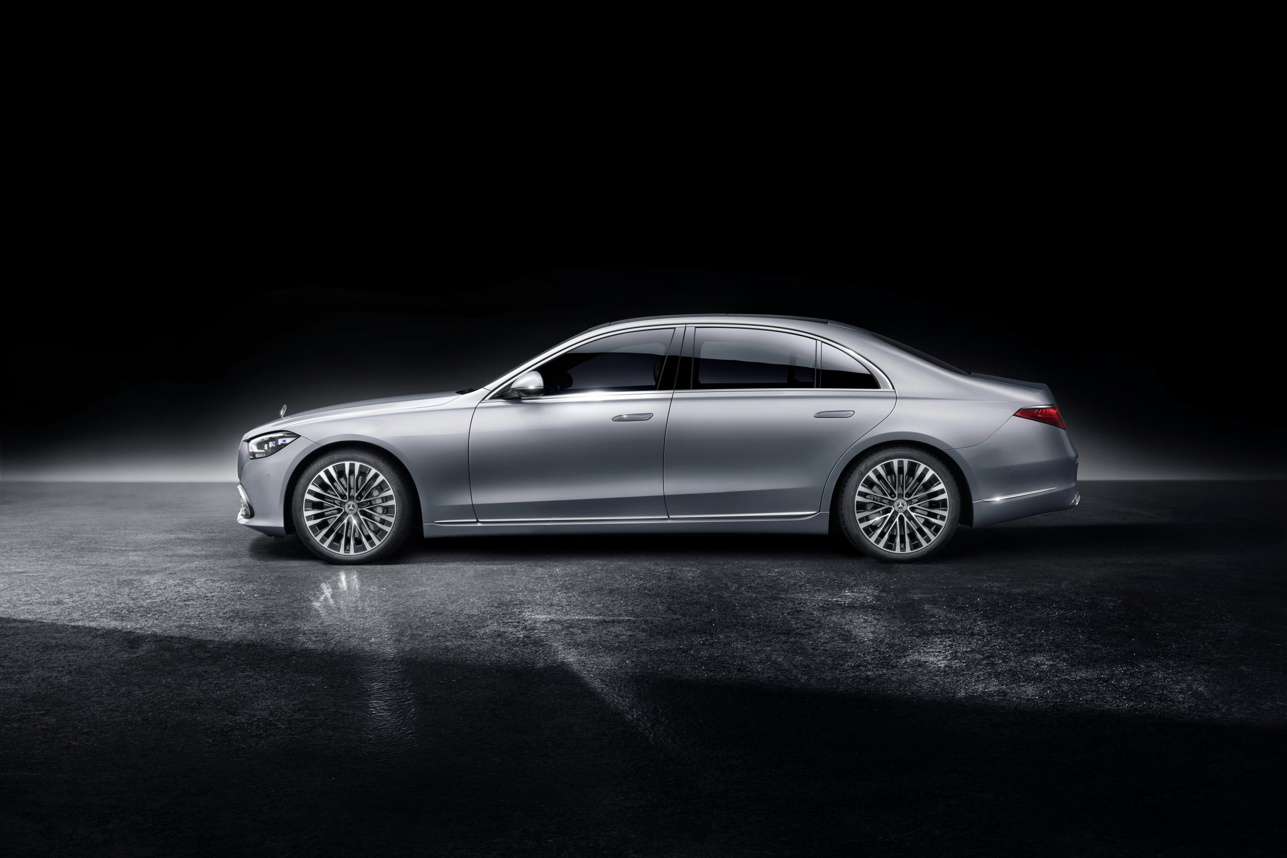 Mercedes-Benz S Class side profile