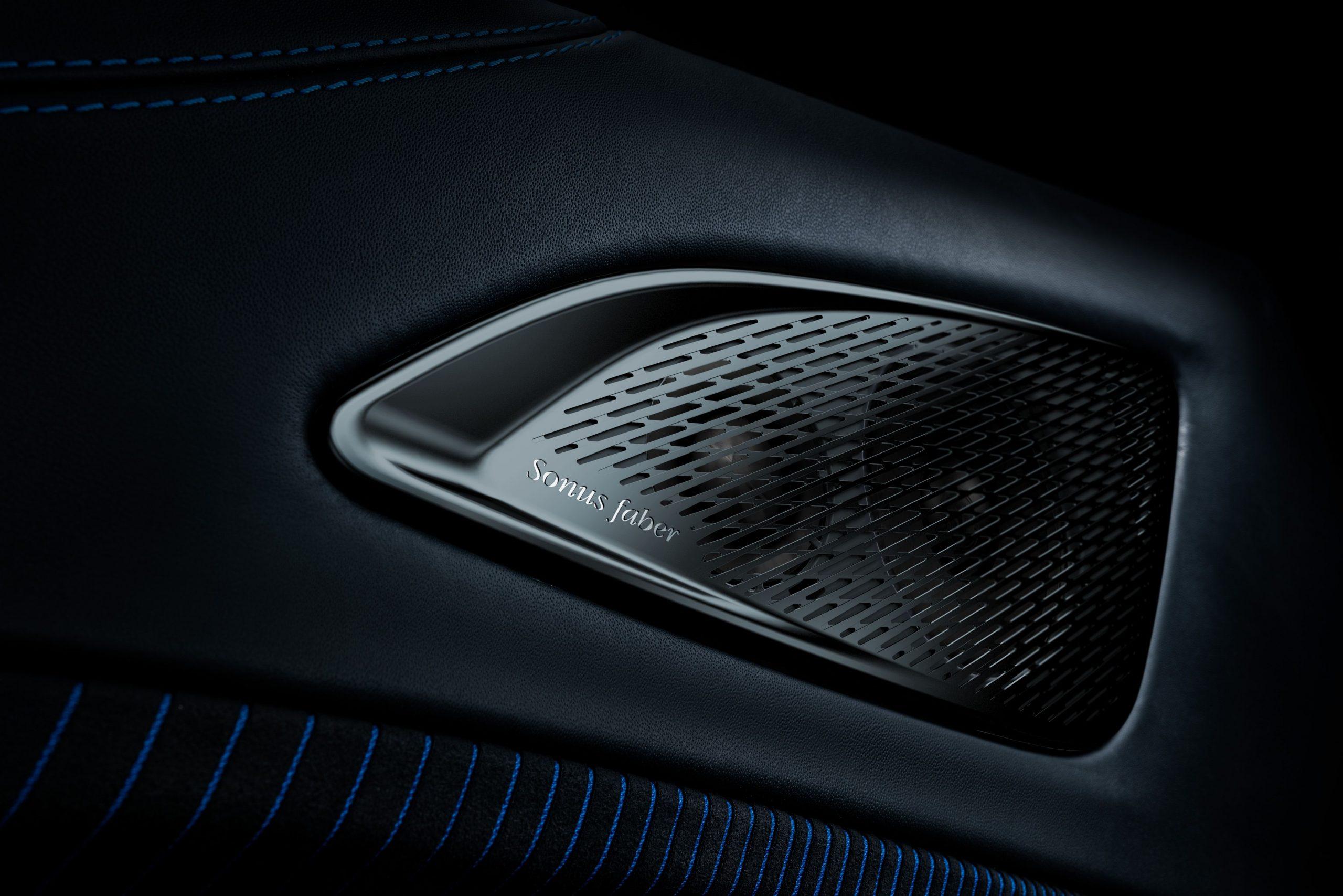 Maserati MC20 interior speaker leather