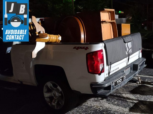 Avoidable contact chevrolet silverado z71 bed full of furniture