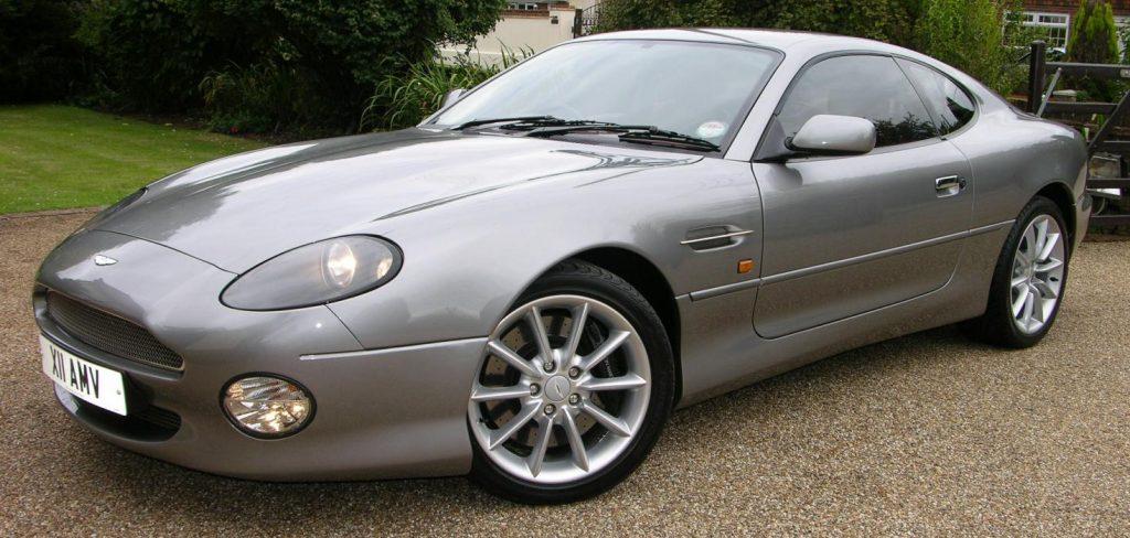 Aston Martin DB7 front three-quarter