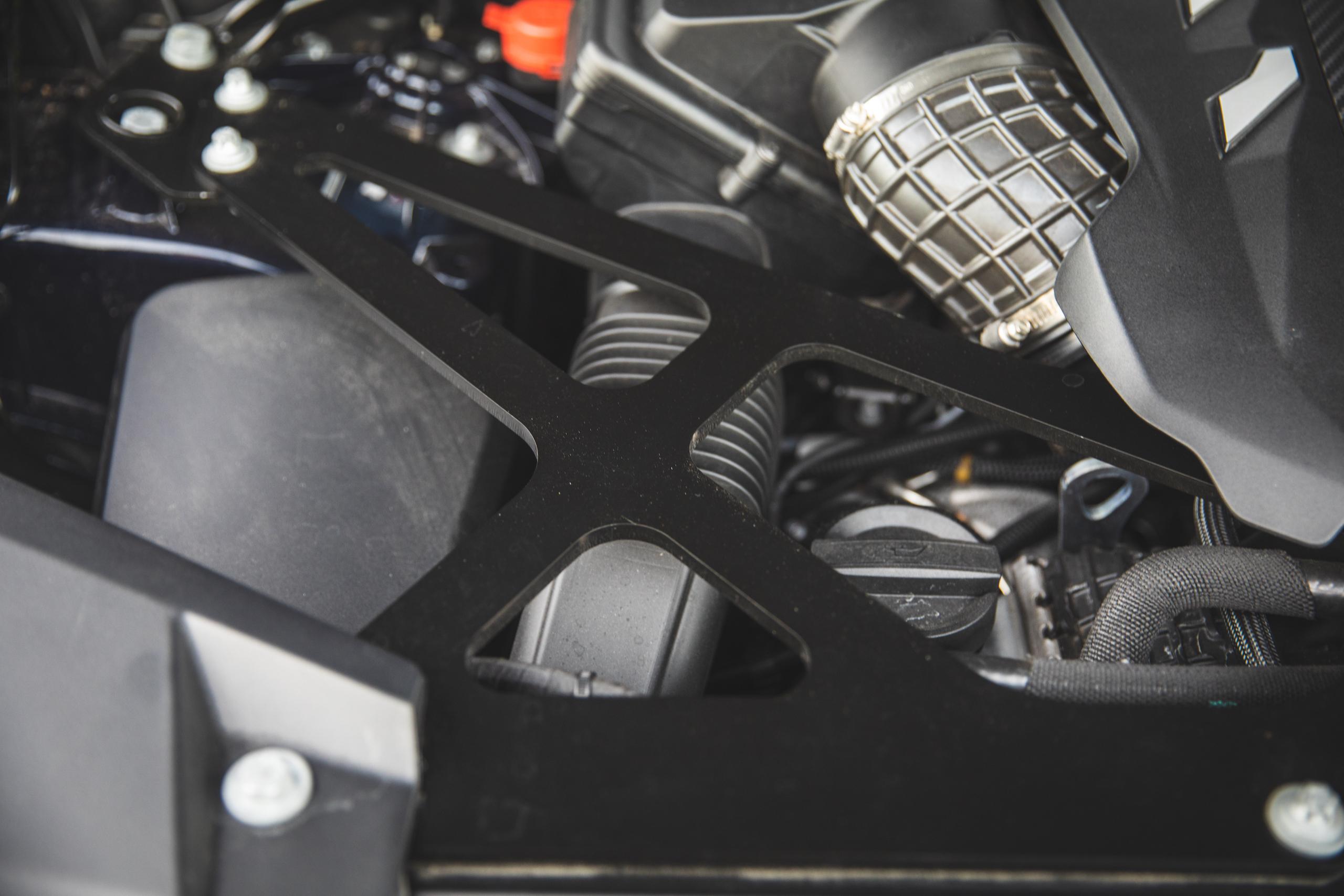 bmw x5m engine bay detail