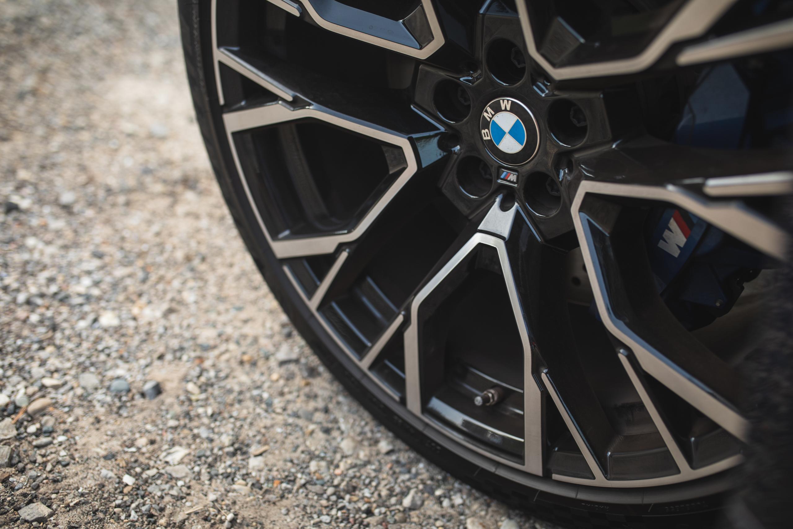 bmw x5m wheel detail