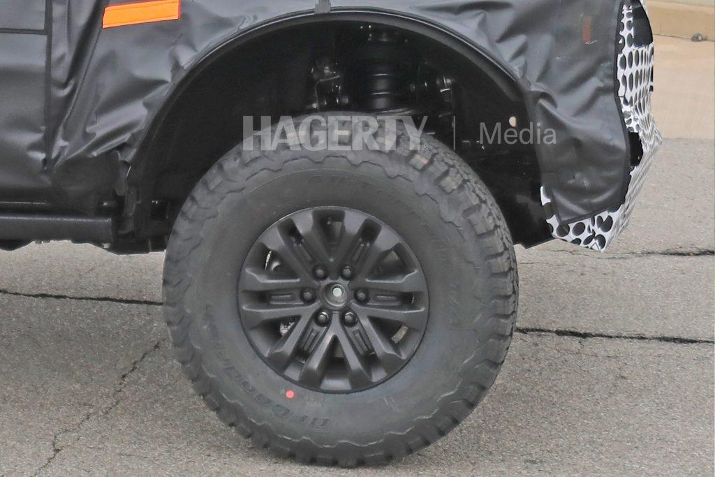 Bronco_Raptor_wheel-tire