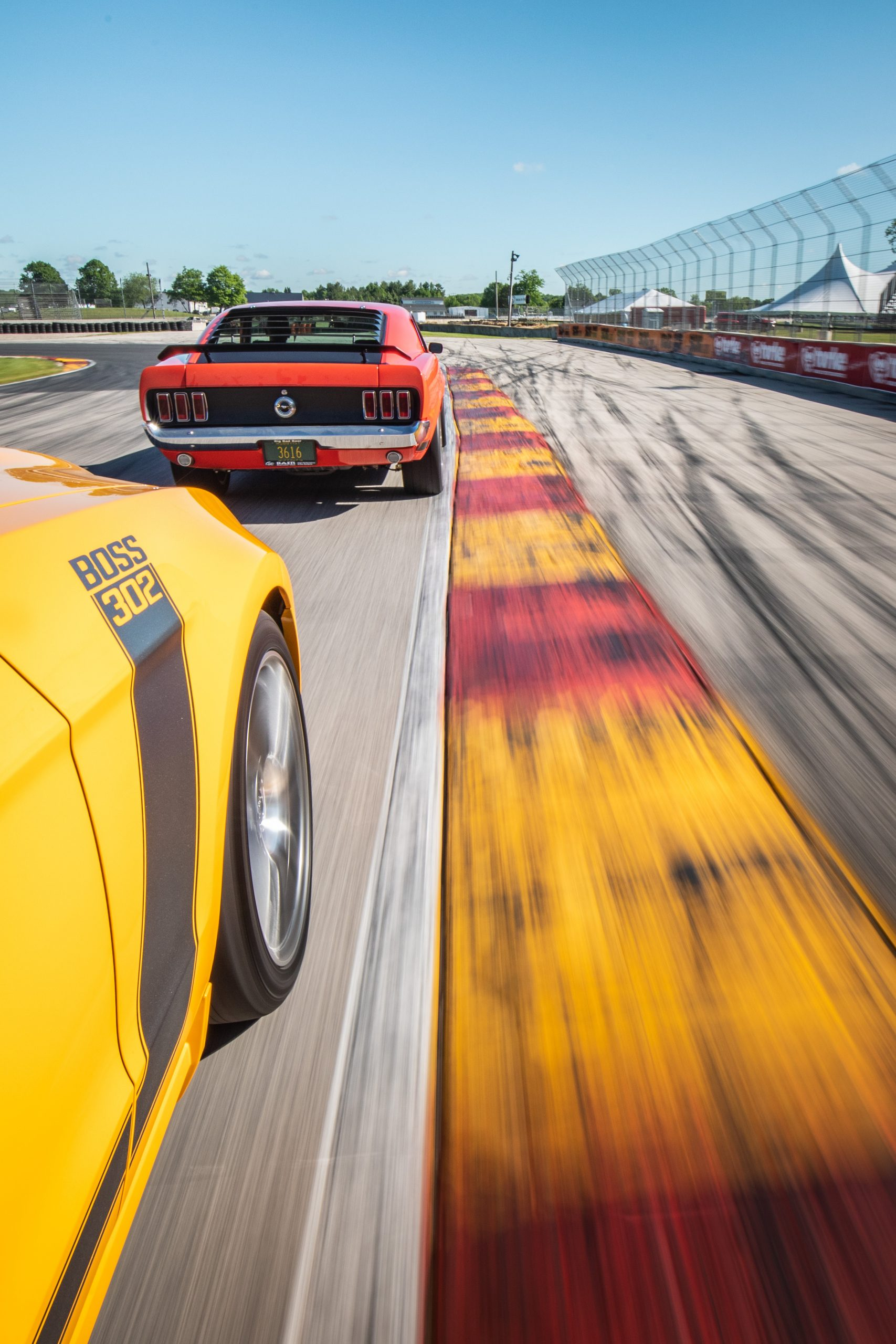 vintage ford mustang boss 302 dynamic track action