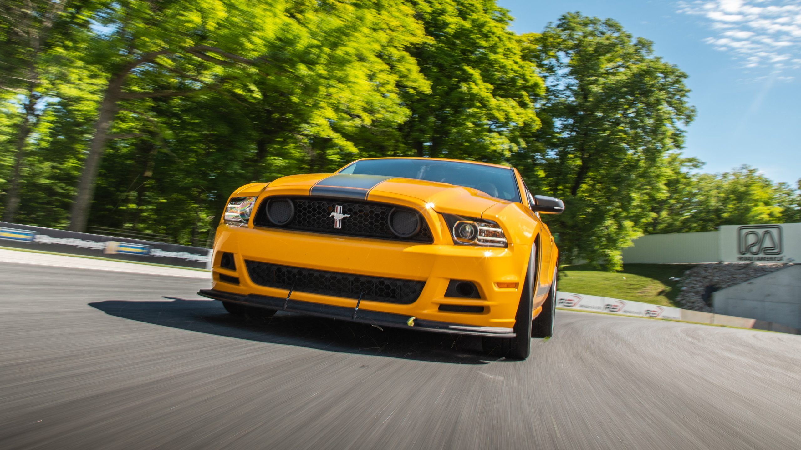 ford mustang boss 302 new dynamic track action