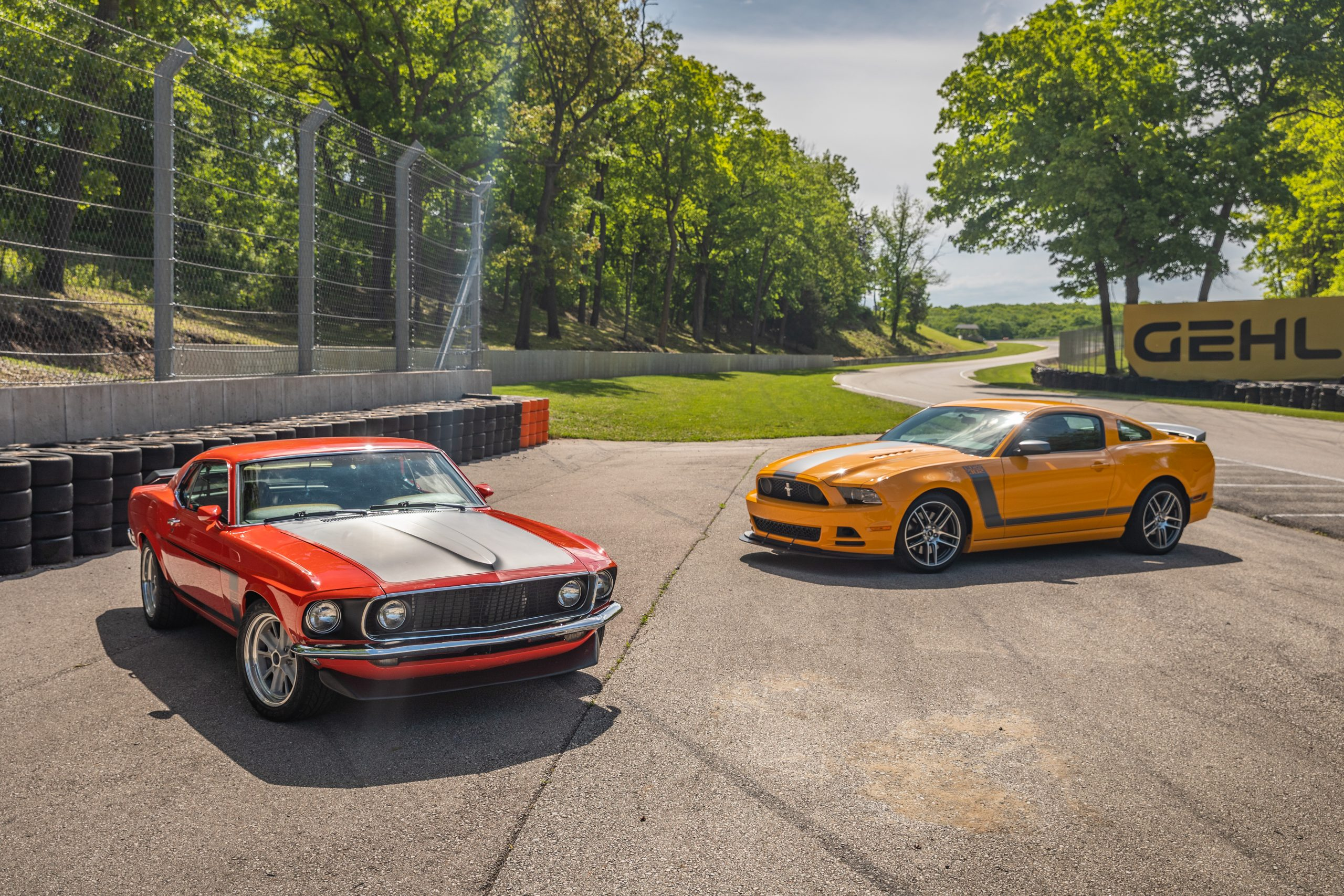 ford mustang boss 302 vintage vs modern
