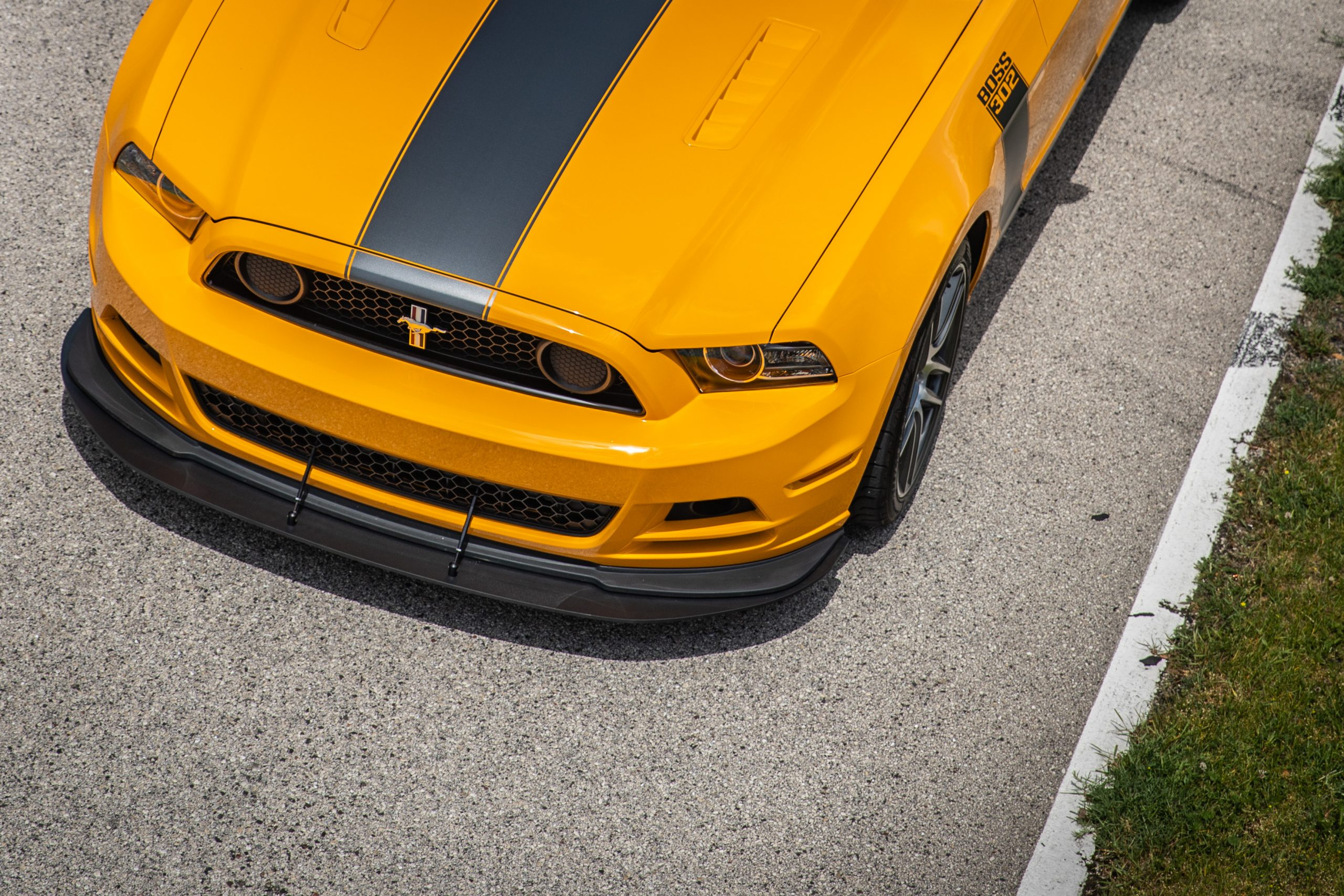 ford mustang boss 302 modern overhead front