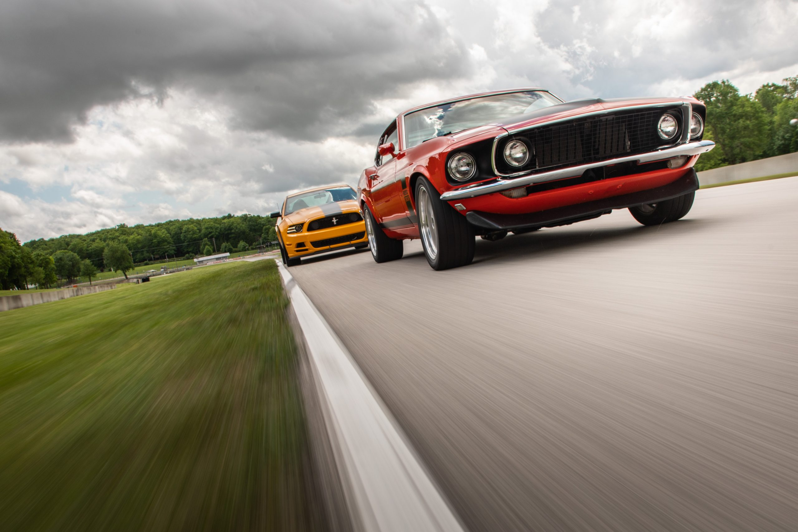ford mustang boss 302 vintage front three-quarter