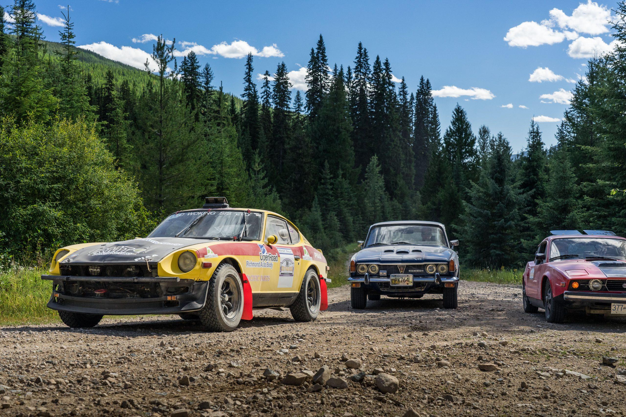rush to gold bridge dirt road rally cars