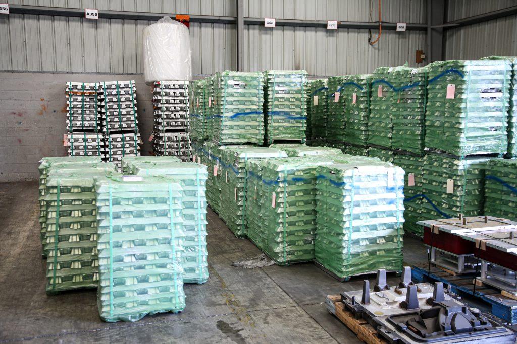 Edelbrock-Foundry-aluminum ingots