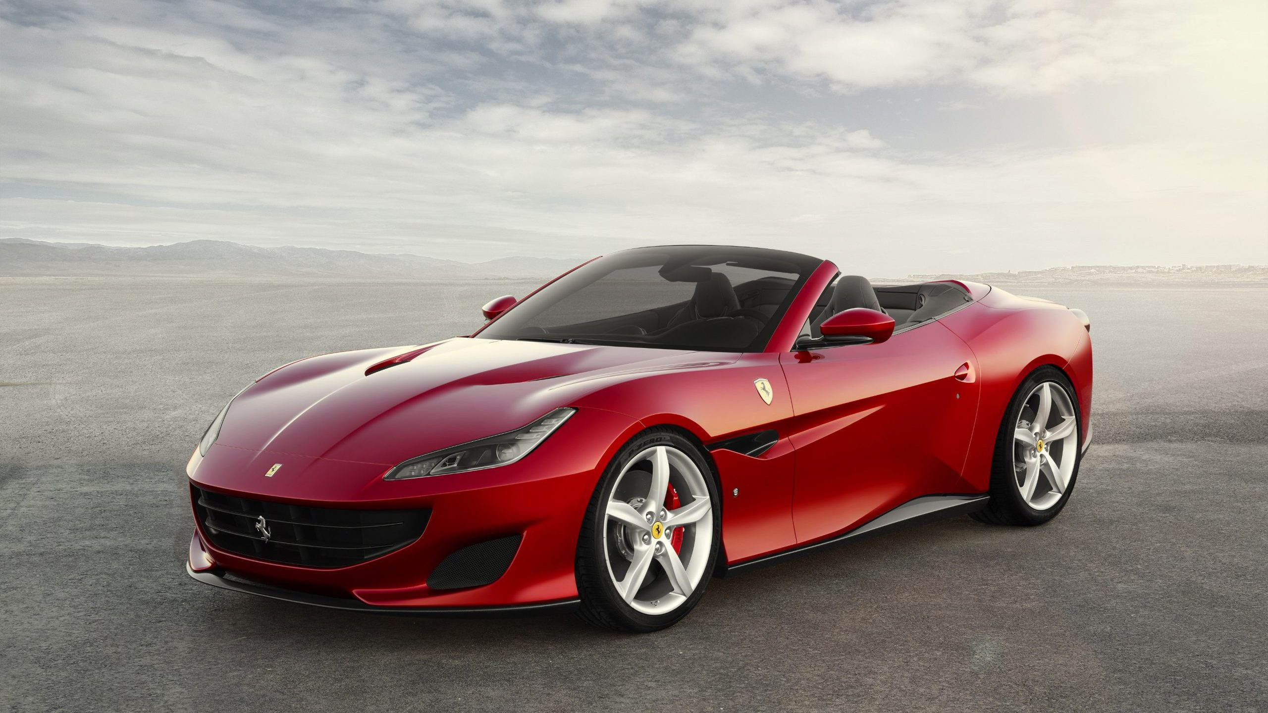 2018 Ferrari Portofino front three-quarter