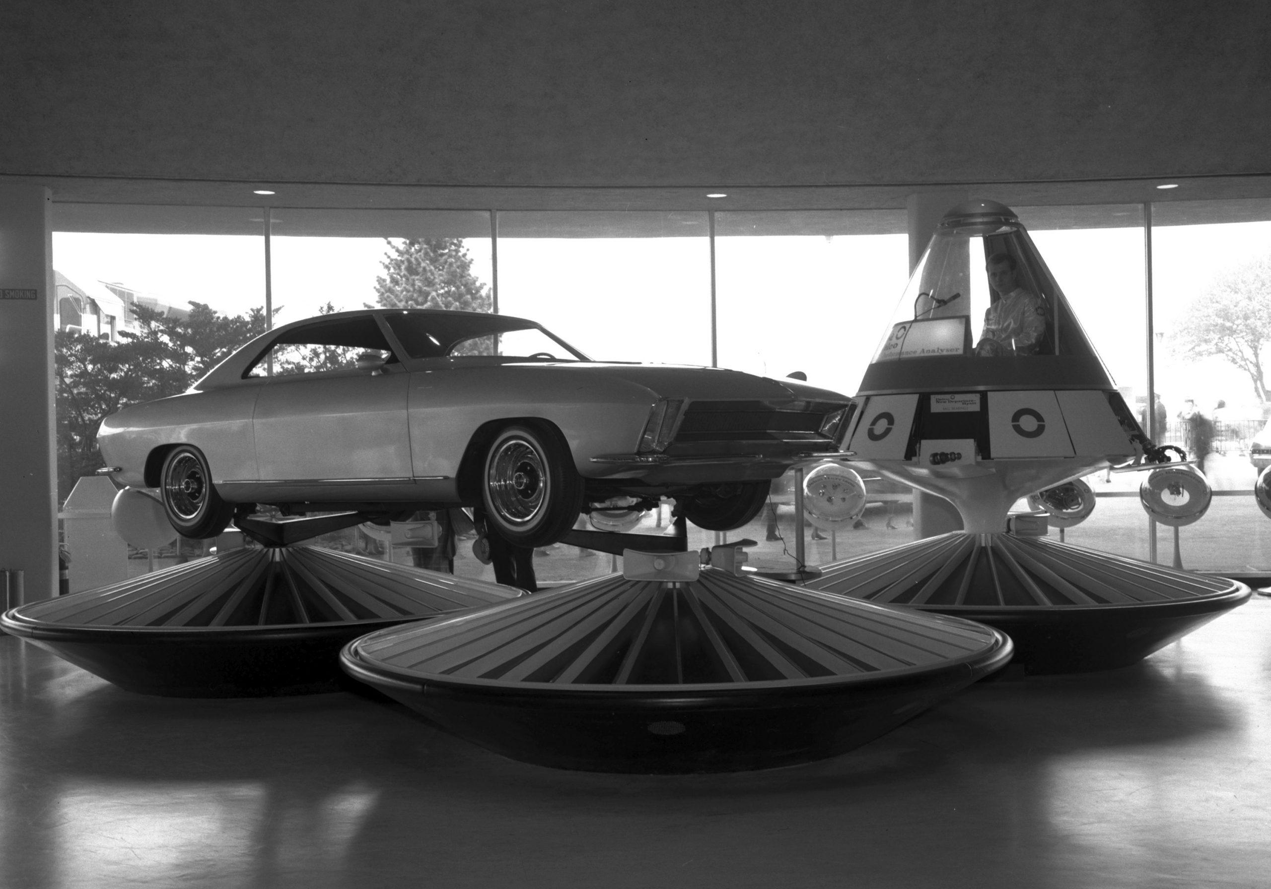 1964 Chevrolet Super Nova concept 7 space capsule