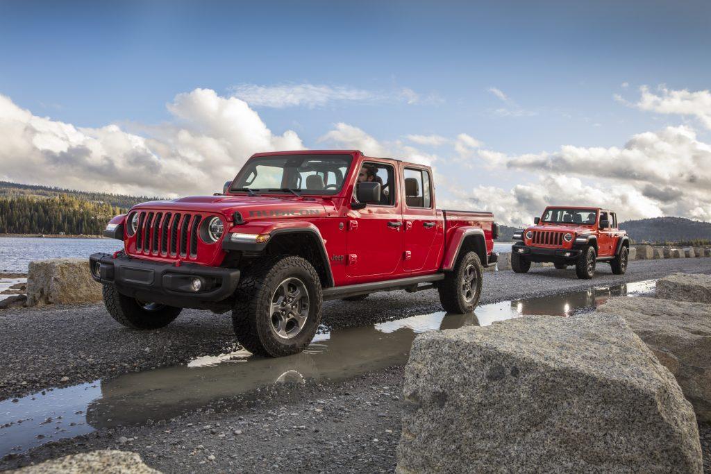 2021 Jeep® Gladiator Rubicon (Left) and 2021 Jeep® Wrangler Rubicon (Right)