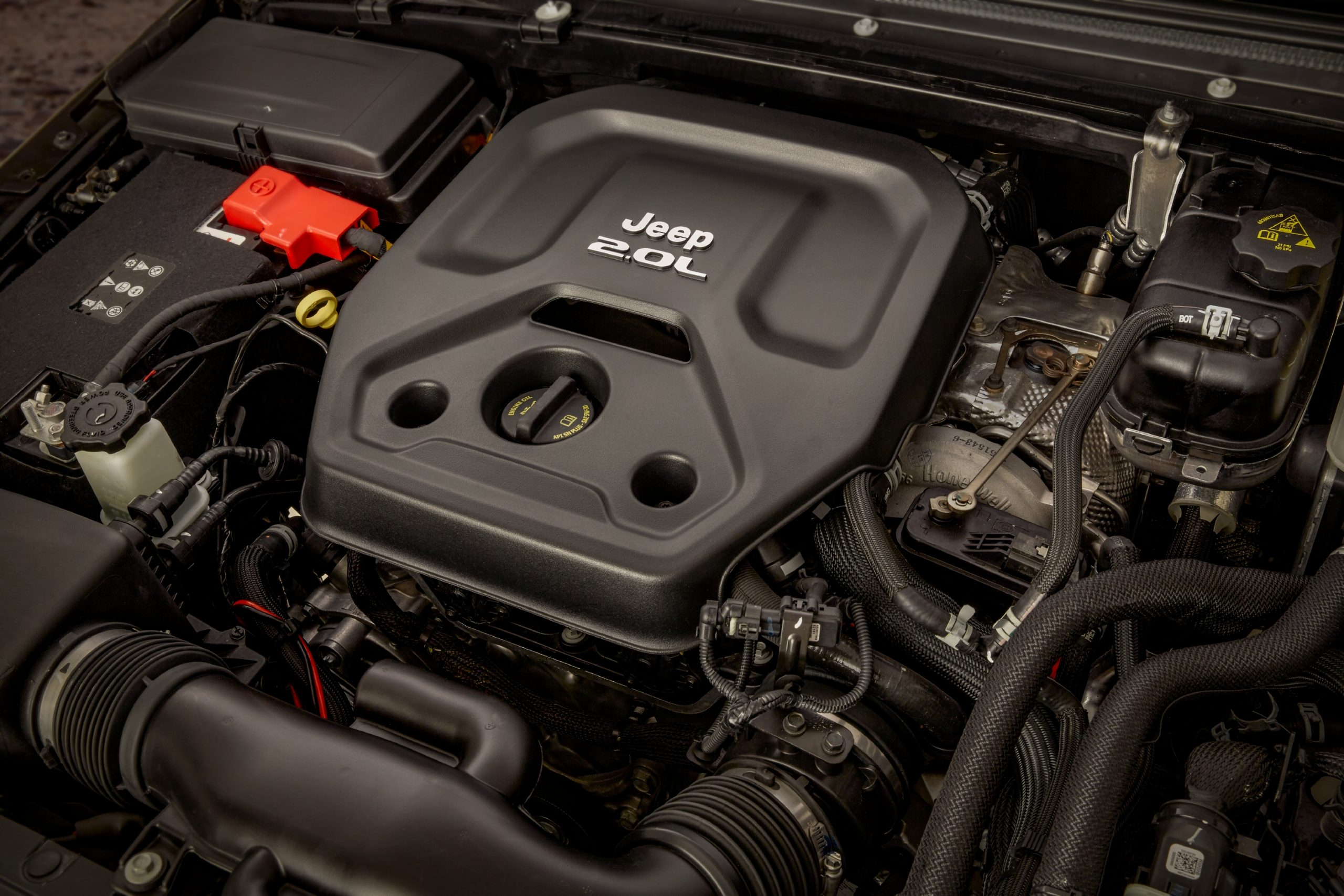 The 2021 Jeep® Wrangler 4xe powertrain includes a 2.0-liter turbocharged I-4 rated at 270 hp and 295 lb-ft of torque.