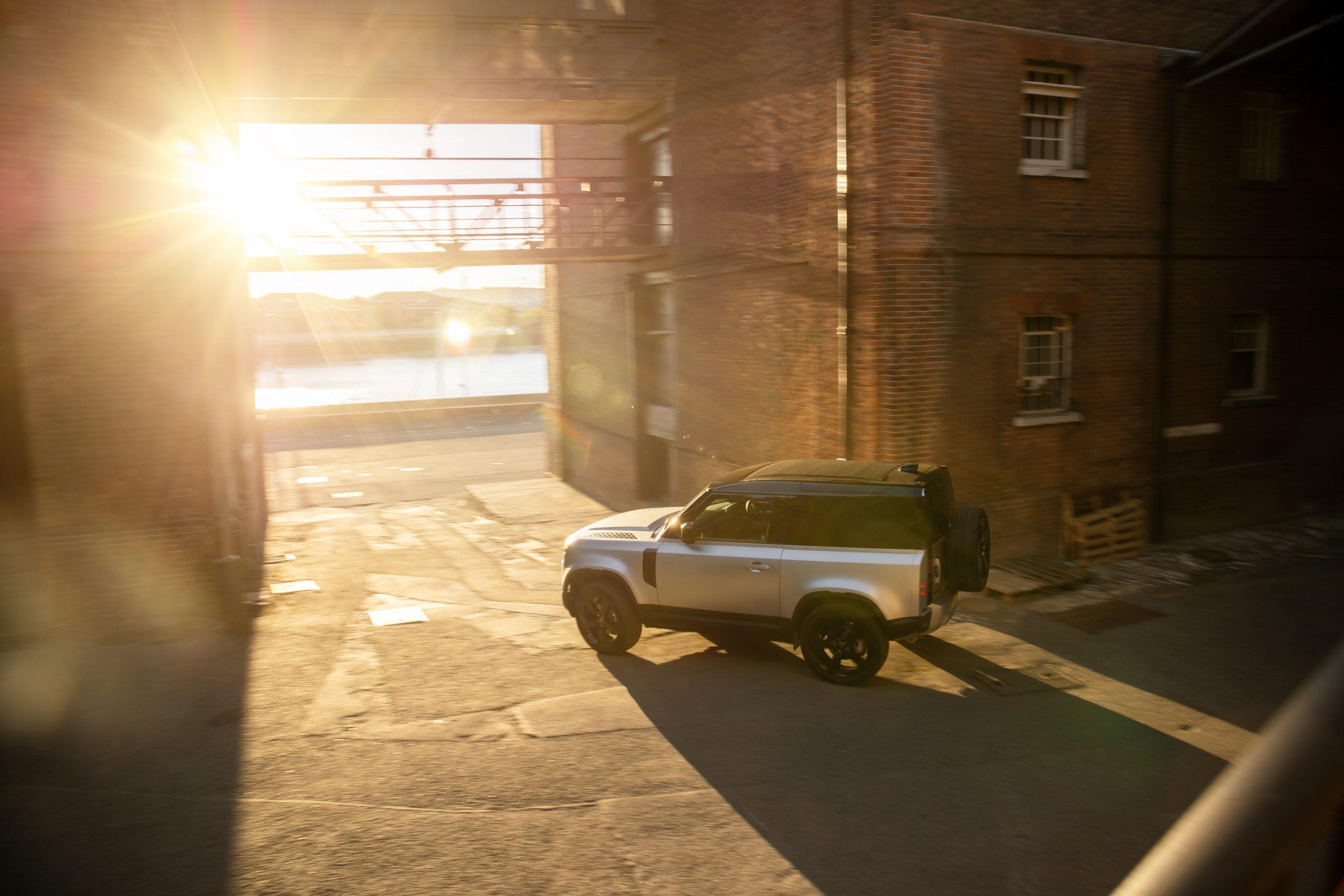 Land Rover Defender 90 1