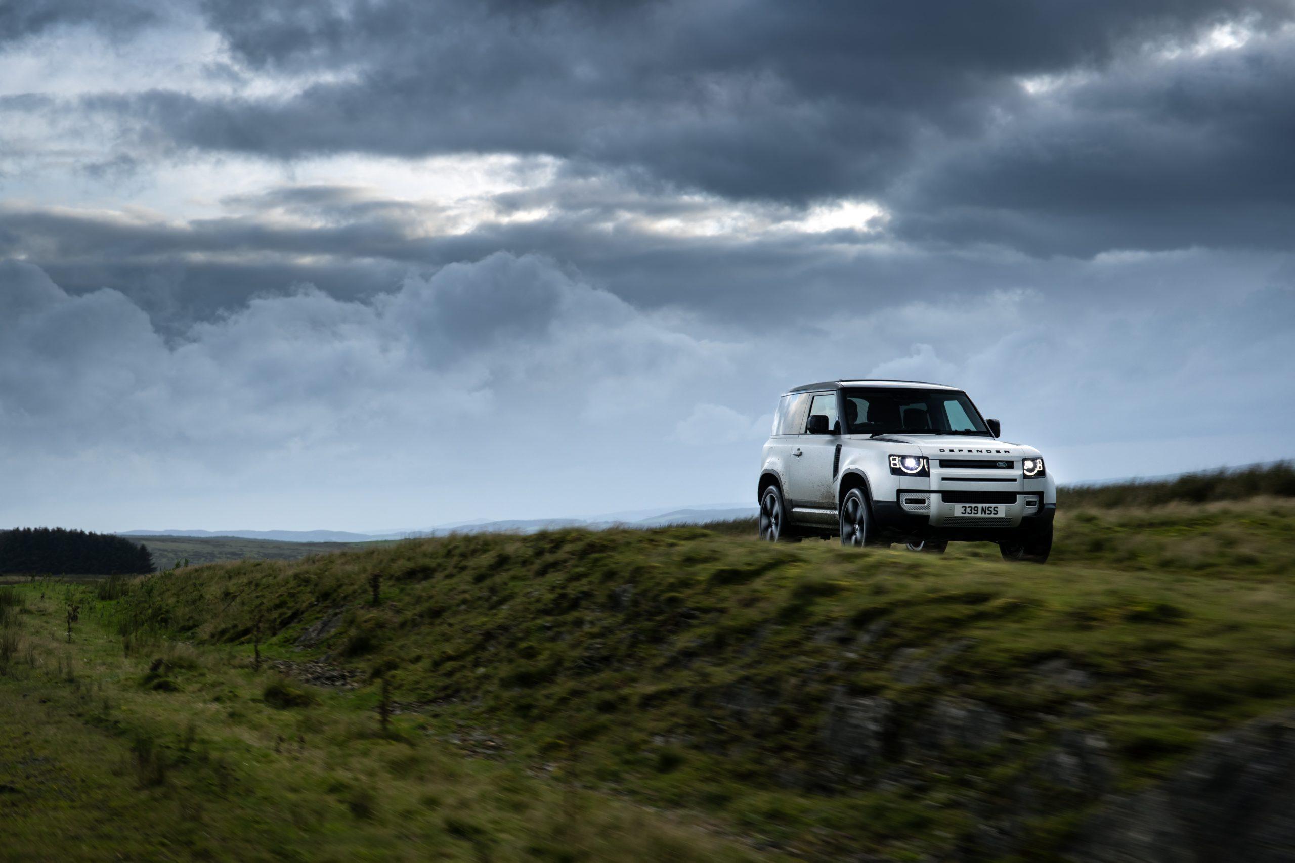 Land Rover Defender 90 4