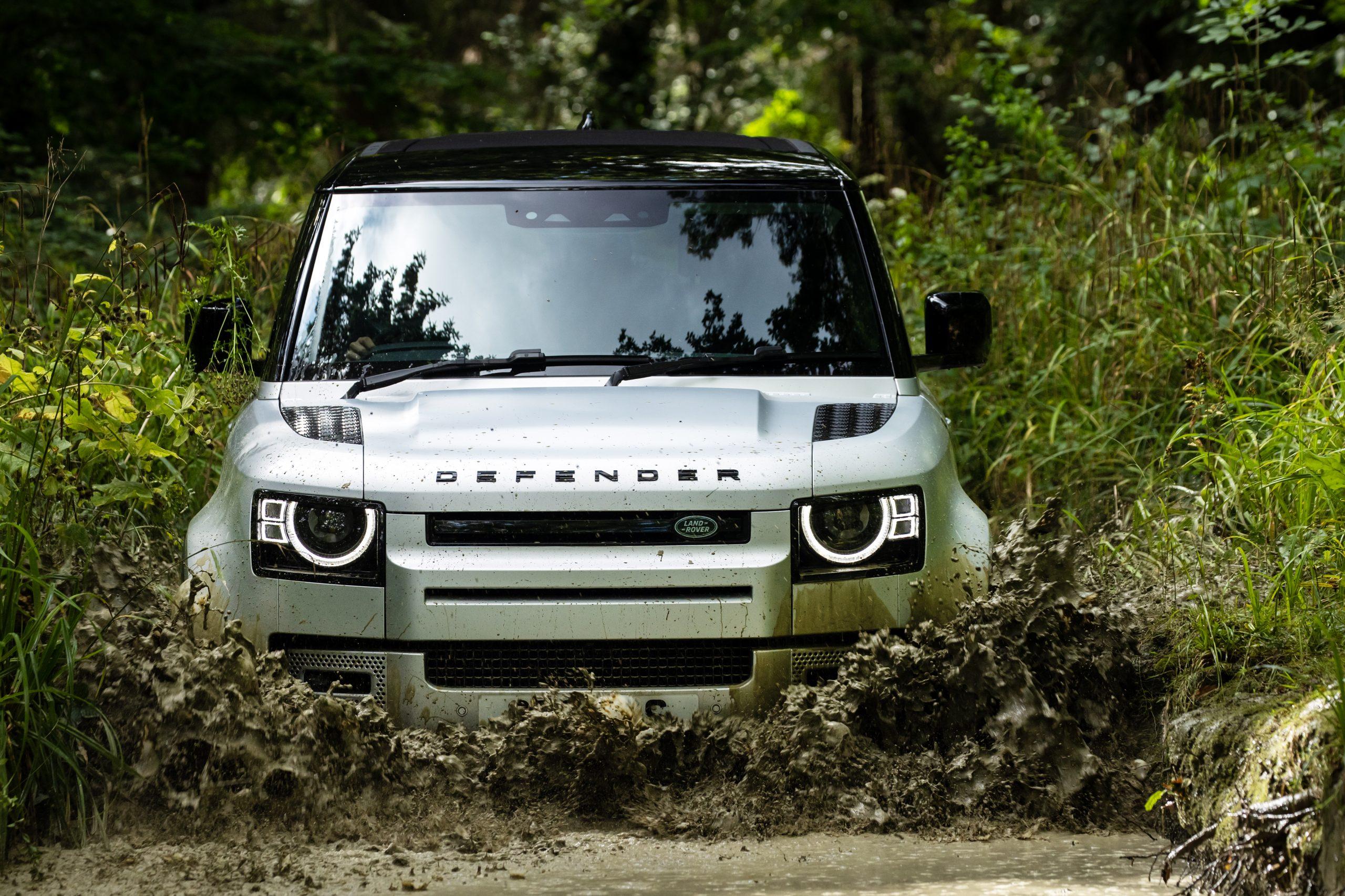 Land Rover Defender 90 6